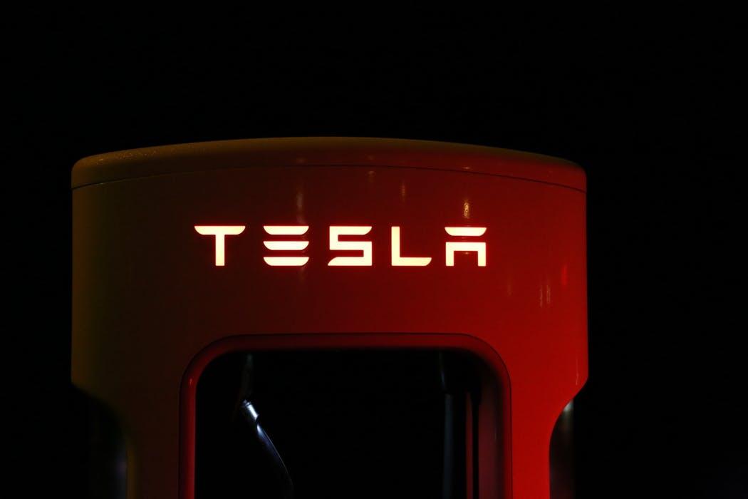 Tesla är högprofilerad elbilstillverkare